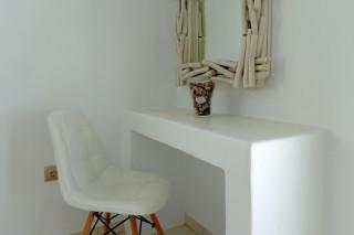 Superior Triple Room valena mare chair
