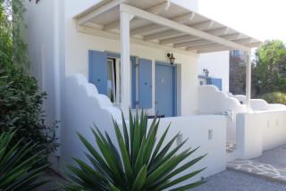 accommodation valena mare room entrance