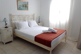 deluxe economy studio valena mare bedroom