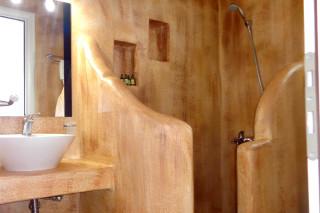 deluxe economy studio valena mare shower