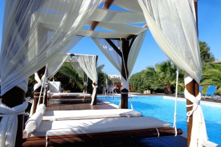 naxos luxury suites valena mare
