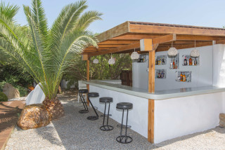 pool bar valena mare garden