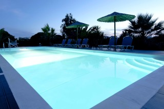 pool bar valena mare swimming pool
