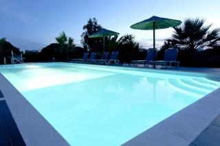 pool bar valena mare swimming pool