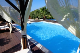 pool bar valena mare swimming pool area