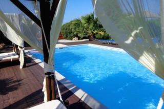 pool bar valena mare swimming pool area