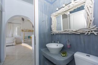 superior sea view apartment 1st floor valena mare bathroom
