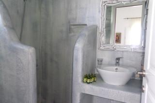 superior sea view studio 1st floor valena mare bathroom area