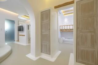 family suite valena mare interior area